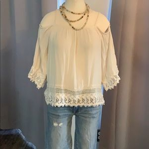 American Eagle-Off the shoulder bohemian blouse